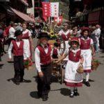 Drapeau, Folklore et Traditions :
