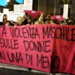 Italie : Les féministes marchent sur la tête